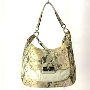 👜 COACH Shoulder Bag, White, Snake Skin, L